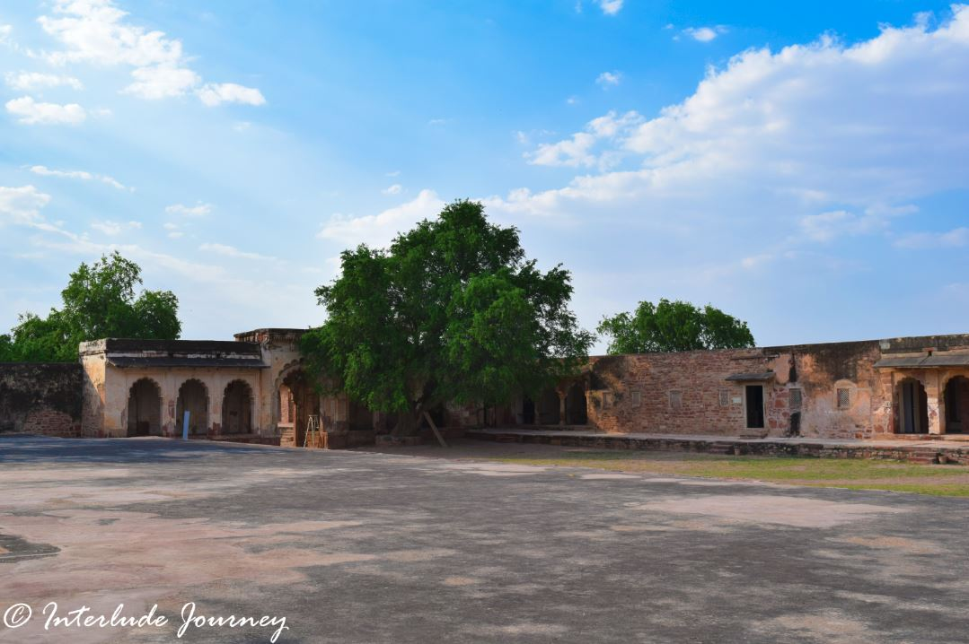 Dilapidated structures of Nagaur Fort